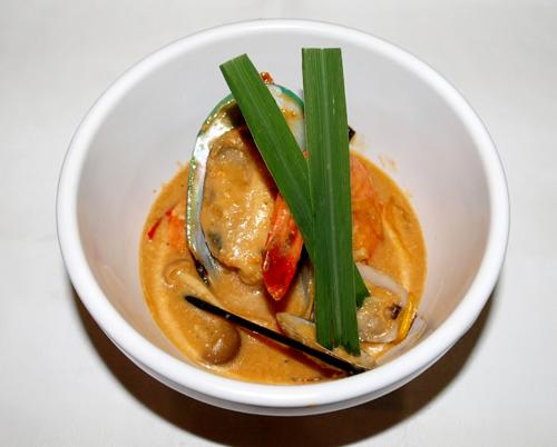 タイ風魚介鍋